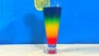 Un cocktail sans alcool arc-en-ciel pour vos enfants