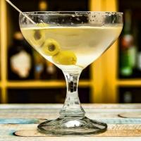 Vodkatini (vodka martini extra dry)